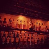 Photo prise au Caledonia Bar par Jay A. le7/23/2012