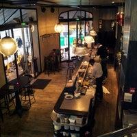 Photo prise au Café Père & Fils par Nicolas T. le4/10/2012