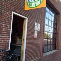 Foto diambil di Rosemont Produce Company oleh William R. pada 7/13/2012