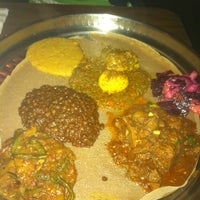 Photo prise au Ras Dashen Ethiopian Restaurant par Molly G. le10/23/2011