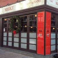 รูปภาพถ่ายที่ Markt โดย Nick F. เมื่อ 12/23/2011