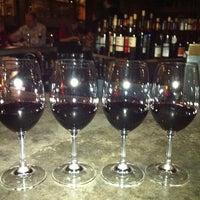 12/4/2011 tarihinde Jenny K.ziyaretçi tarafından Purple Café & Wine Bar'de çekilen fotoğraf
