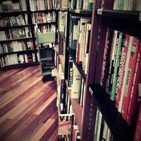 Foto tomada en Books Kinokuniya por Natto L. el 6/9/2012
