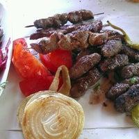 7/23/2012 tarihinde Gymnn G.ziyaretçi tarafından Ali Baba Kağıt Köfte'de çekilen fotoğraf