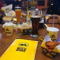 Foto tomada en Buffalo Wild Wings por Hugo S. el 8/22/2012