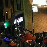 10/7/2011 tarihinde Sean P.ziyaretçi tarafından The Wiener's Circle'de çekilen fotoğraf