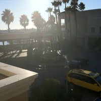 Foto tirada no(a) Balboa Bay Resort por Paul S. em 10/10/2011