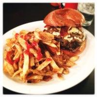 Photo prise au 24 Diner par Geoff K. le3/11/2012