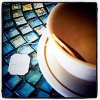 Foto tirada no(a) Cafe Pick Me Up por Sarah J. em 9/11/2011