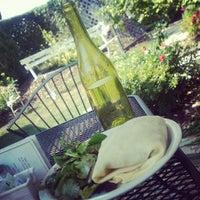 รูปภาพถ่ายที่ Le Petit Zinc โดย Carlotta เมื่อ 8/26/2012