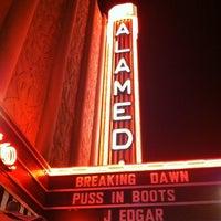 Foto tomada en Alameda Theatre & Cineplex por Ira S. el 11/26/2011