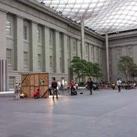 Foto tirada no(a) National Portrait Gallery por Katalin E. em 6/6/2012