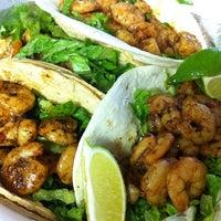 Снимок сделан в Bravo Tacos пользователем Kelley 8/4/2011