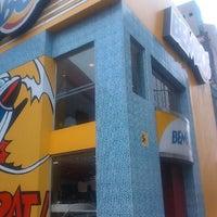 Foto tomada en Bembos por Alexis E. el 6/21/2012