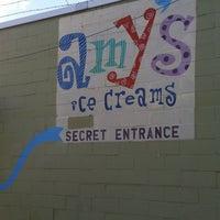 7/2/2011 tarihinde Emma M.ziyaretçi tarafından Amy's Ice Creams'de çekilen fotoğraf