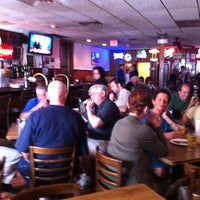 6/3/2011 tarihinde Julian B.ziyaretçi tarafından Star Tavern Pizzeria'de çekilen fotoğraf