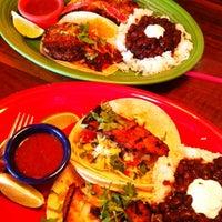 6/14/2012にVictoria R.がHula's Island Grill & Tiki Roomで撮った写真