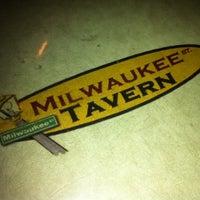 Foto tomada en Milwaukee Street Tavern por Sherri M. el 4/28/2012
