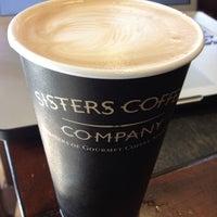 Снимок сделан в Sisters Coffee Company пользователем Stephen T. 4/27/2012