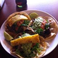 Das Foto wurde bei Tacos Chukis von Danny L. am 11/20/2011 aufgenommen