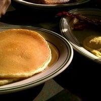 Снимок сделан в East Market Diner пользователем Cocaine .. 11/11/2011