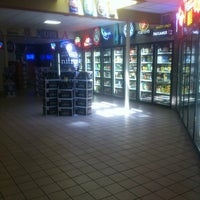 Foto scattata a Colorado Liquor Mart da Steve L. il 6/4/2012