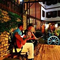 รูปภาพถ่ายที่ İmren Lokum Konak Boutique Hotel โดย Evren Y. เมื่อ 1/22/2012