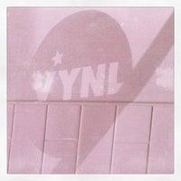Foto diambil di Vynl oleh Douglas G. pada 4/6/2011