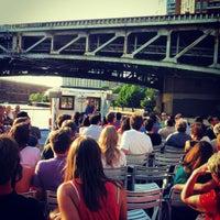 Foto tomada en Chicago Architecture Foundation River Cruise por Lily B. el 6/9/2012