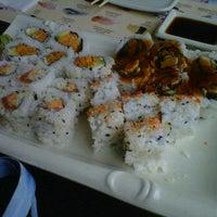 รูปภาพถ่ายที่ 7 Star Sushi โดย Jennifer C. เมื่อ 1/12/2012