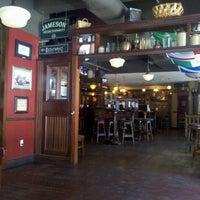 Foto tirada no(a) Tigin Irish Pub por Melissa M. em 4/16/2012