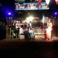 Foto tirada no(a) PLAY Bar & Club por Ling em 8/9/2012