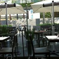 Foto tomada en Peponne Healthy Food & Bakery por Juventino A. el 7/7/2012