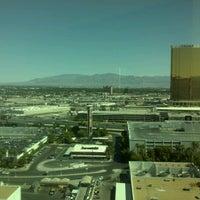 Das Foto wurde bei The Mirage Convention Center von Toby L. am 6/10/2012 aufgenommen