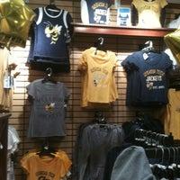 4/20/2012にLinda G.がGeorgia Tech Bookstoreで撮った写真