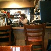 รูปภาพถ่ายที่ Utopia Cafe & Grill โดย Brenda A. เมื่อ 4/24/2012