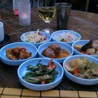 Снимок сделан в Domo Japanese Country Foods Restaurant пользователем Rich 6/2/2012