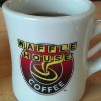 Das Foto wurde bei Waffle House von Ben G. am 3/21/2012 aufgenommen
