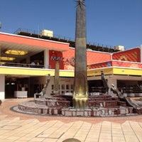 Photo prise au Plaza del Sol par Jason A. le4/24/2012