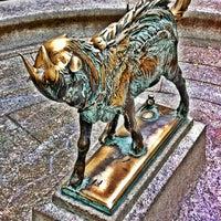 Das Foto wurde bei Rittenhouse Square von Joseph W. am 6/10/2012 aufgenommen