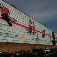 Foto tirada no(a) Ducati Motor Factory & Museum por Marco F. em 5/18/2012