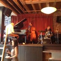 8/3/2012にMelina B.がLes Zygomates Wine Bar Bistroで撮った写真