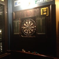Foto diambil di Ringo's Pub oleh Crystal M. pada 4/2/2012