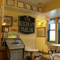 Foto tirada no(a) Queen City Creamery por Darrell em 7/15/2012