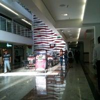 8/10/2012 tarihinde Ana D.ziyaretçi tarafından Shopping Faro'de çekilen fotoğraf