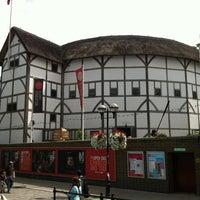 Foto tirada no(a) Shakespeare's Globe Theatre por ervin j. em 7/30/2012