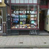 Das Foto wurde bei Concerto Records von Coento S. am 10/27/2011 aufgenommen