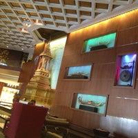 5/11/2012 tarihinde Julie-eieiziyaretçi tarafından Royal Orchid Sheraton Hotel & Towers'de çekilen fotoğraf