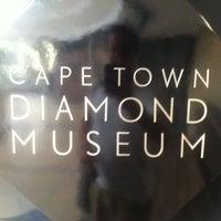 Photo prise au Shimansky Jewellers Clock Tower par CapeTownMagazine.com le1/17/2012