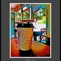 Снимок сделан в La Stazione Coffee & Wine Bar пользователем Rosemarie M. 9/12/2012